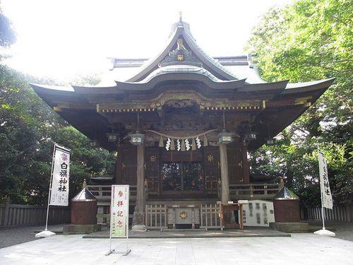Shirahata_shrine's_Main_hall,_Fujisawa,_Kanagawa.jpg